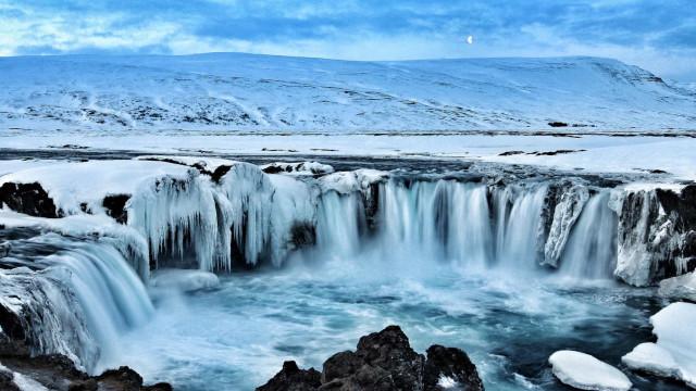 Deixe-se conquistar pelas mais belas cascatas de inverno
