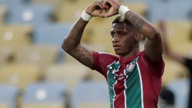Benfica perto de fechar um reforço para a reabertura de mercado