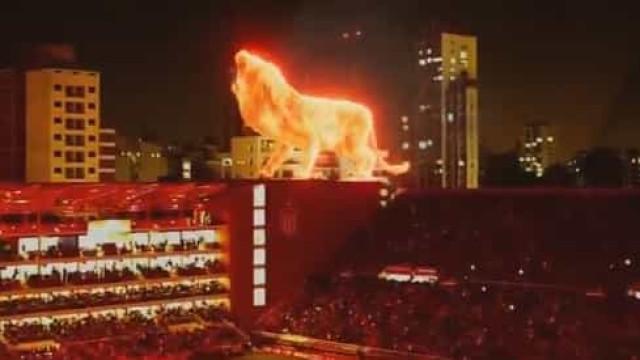 Leão de fogo em 3D 'inaugurou' estádio e deixou 'meio mundo' boquiaberto