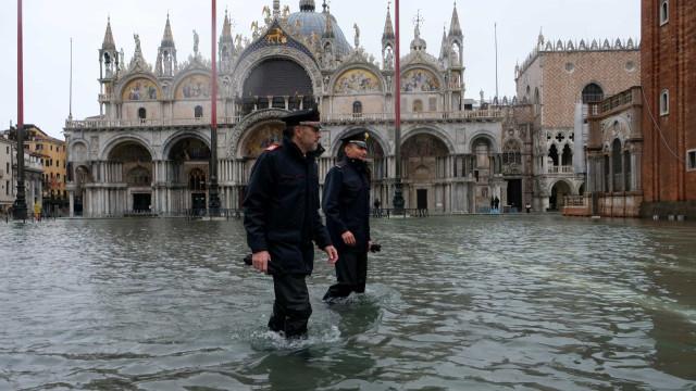 As imagens da cidade de Veneza inundada