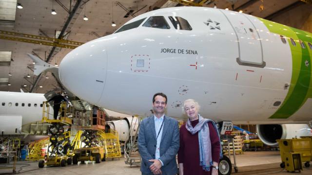 Jorge de Sena vai voar. TAP 'batiza' avião e homenageia escritor