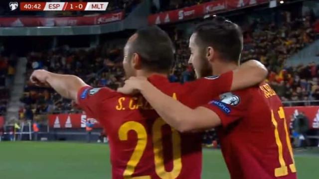Cazorla voltou a marcar pela seleção espanhola passados quatro anos