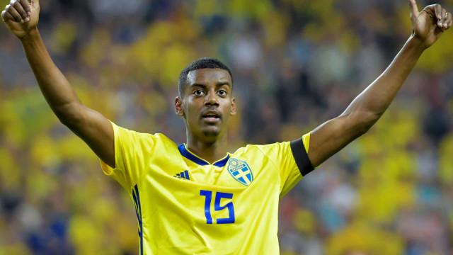 Roménia-Suécia interrompido devido aos insultos racistas dirigidos a Isak