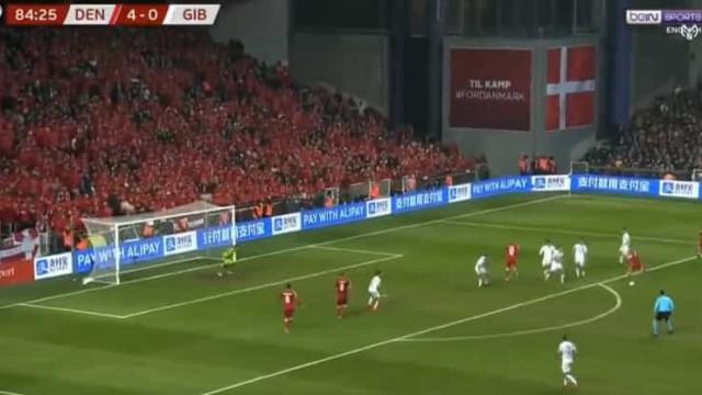 O belo golo de Eriksen que deu brilho à goleada da Dinamarca