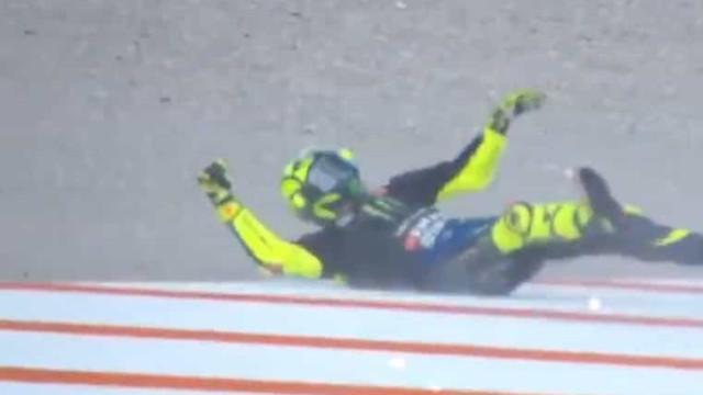 GP de Valência: Valentino Rossi caiu e as imagens são impressionantes