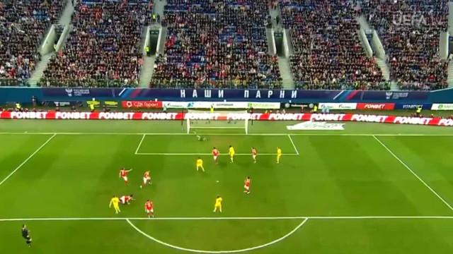 Show Hazard na Rússia: Assistência de Eden para o golo de Thorgan