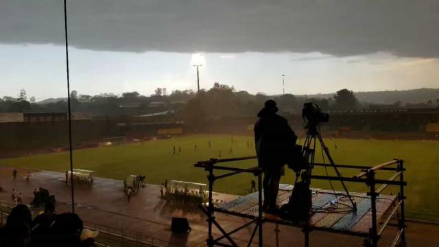 Incrível: Tempestade súbita obriga a paragem de jogo da CAN
