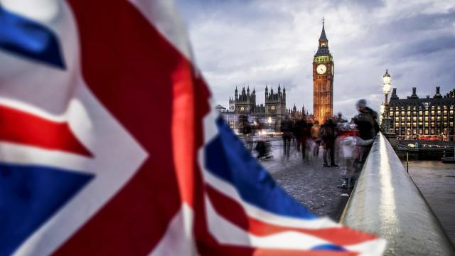 Reino Unido já está a pagar a fatura do Brexit