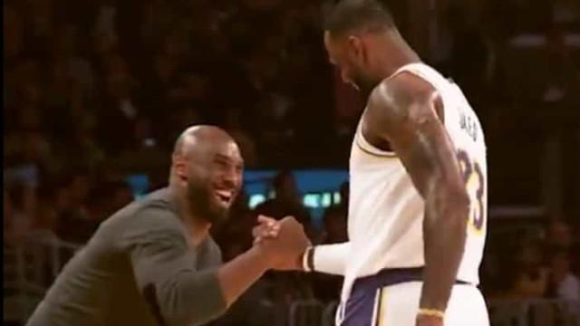O abraço entre LeBron e Kobe que deixou os adeptos da NBA ao rubro