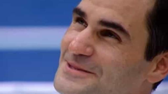 Federer em lágrimas após mensagem de Maradona