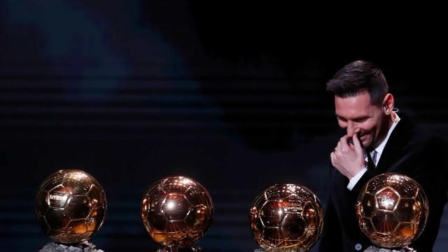 """Evra revela favoritos à Bola de Ouro: """"Estou farto de dá-la a Messi"""""""