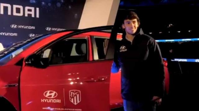 João Félix chegou ao Atlético há 5 meses e já recebeu um carro novo