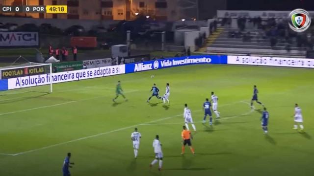 Saravia marca pelo FC Porto o primeiro golo da carreira