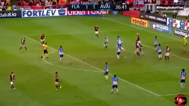 Diego (lembra-se dele?) marcou golaço frente ao Avaí
