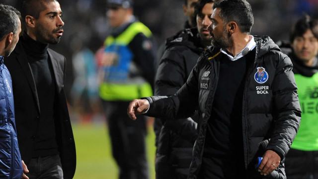 Pedro Ribeiro e Conceição protagonizaram acesa discussão ao intervalo