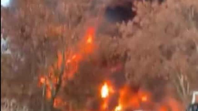 Incêndio em zona industrial de Barcelona ativa alerta de risco químico