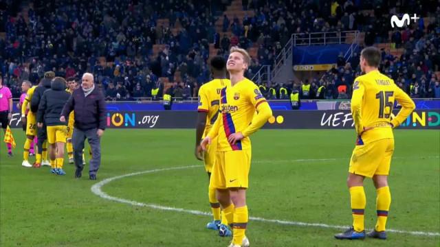 A jogar pelo Barça, De Jong não escondeu frustração pelo 'adeus' do Ajax