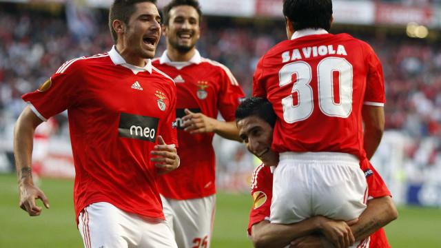 Benfica está de volta à Liga Europa e a UEFA recorda Saviola e Di María