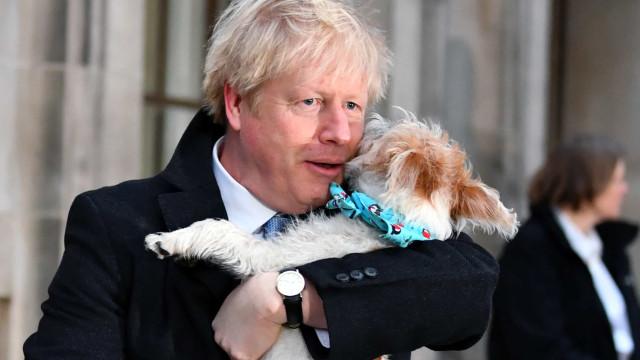 Reino Unido. Boris Johnson já votou (e não foi sozinho)