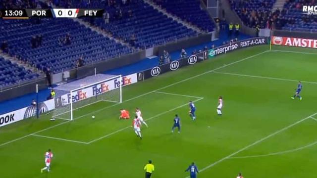 FC Porto colocou-se em vantagem diante do Feyenoord com este... 'frango'