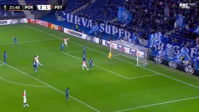 Pepe deixou-se antecipar e Larsson restabeleceu o empate no Dragão