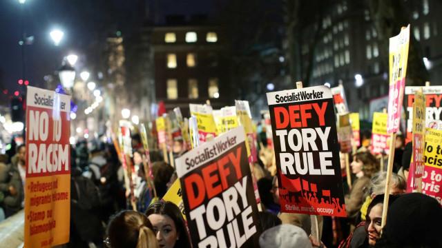 """Manifestações contra resultados eleitorais.""""Não ao racismo, não ao Boris"""""""