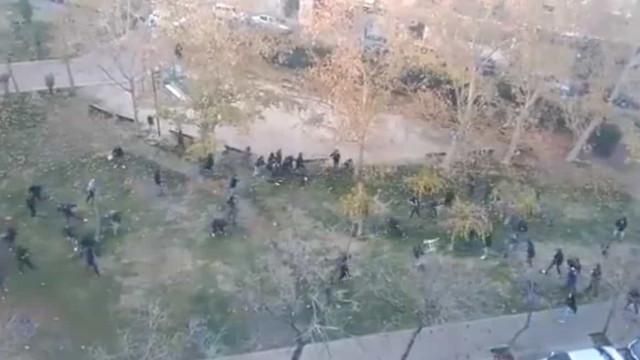 Batalha campal em Espanha: Duelo entre hooligans antes do apito inicial
