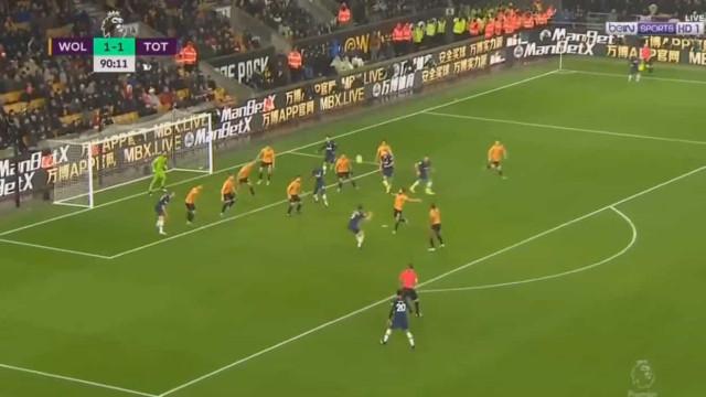 O golo do Tottenham que levou Mou à loucura na casa de Espírito Santo