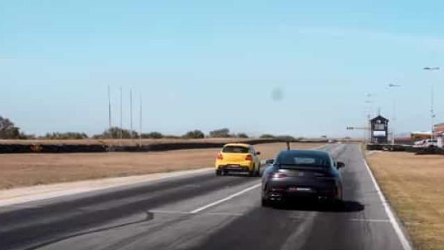 Suzuki Swift Sport contra Mercedes-AMG GT. Quem ganha esta corrida?