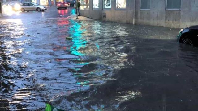 Chuva intensa deixou ruas de Lisboa submersas