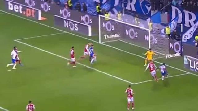 Paulinho teve mais cabeça que defesa portista e faz 2-1 para o Braga