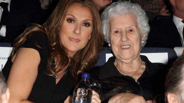 """Céline Dion reage à morte da mãe: """"O concerto de hoje é dedicado a ti"""""""
