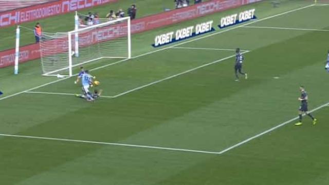 Defesa da Sampdoria 'tirou sesta' e Caicedo aproveitou para fazer golo