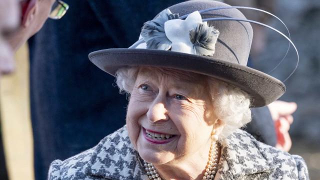 Isabel II aparece pela 1ª vez após acordo final com Harry e Meghan Markle