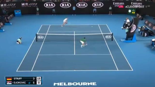 Comentador alemão enlouquece com ponto de Struff frente a Djokovic
