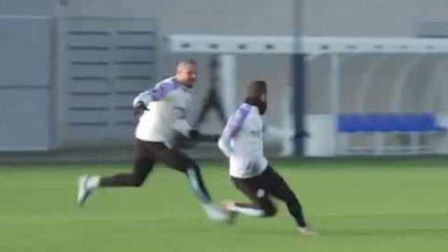 Walker bem tentou apanhar Bernardo Silva mas acabou... por desistir