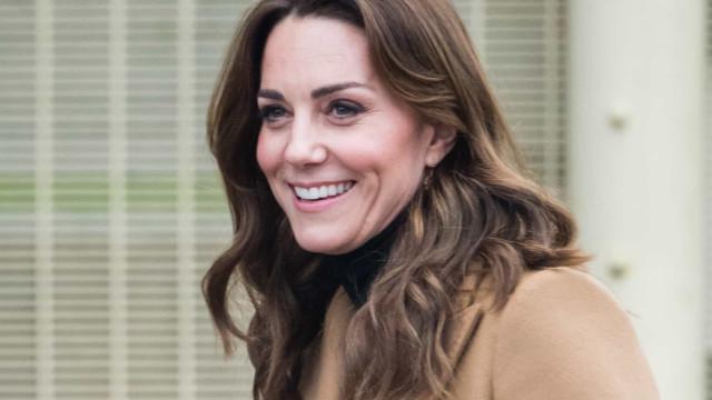 Kate Middleton brilha com saia da Zara que custa pouco mais de 30 euros