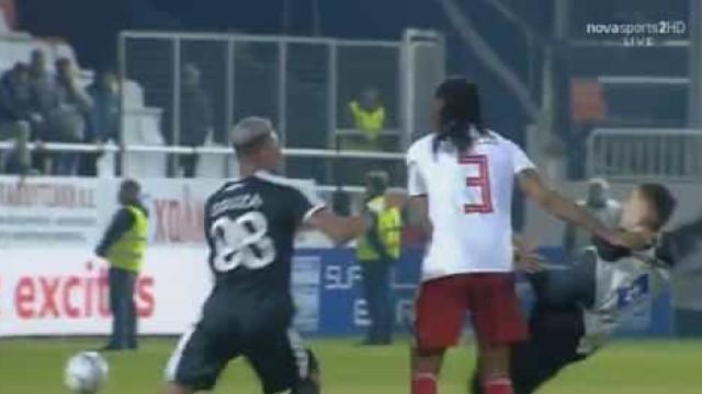 Rúben Semedo atira apanha-bolas ao chão e lança a confusão na Grécia