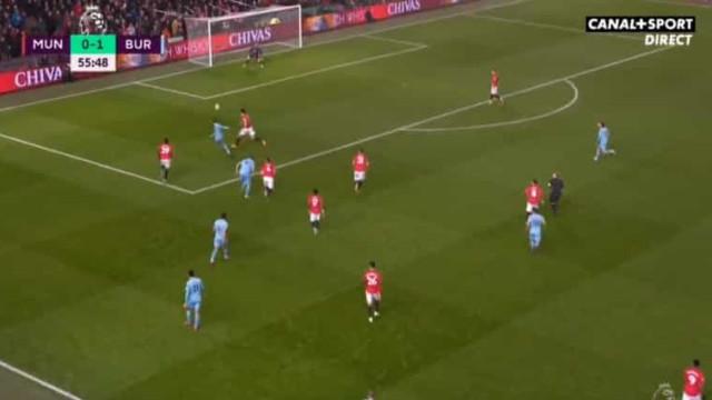 O golaço que vergou o Manchester United em pleno Old Trafford