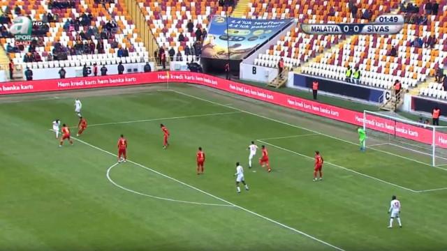 Da Turquia chega-nos um golaço de Mert Hakan Yandaş
