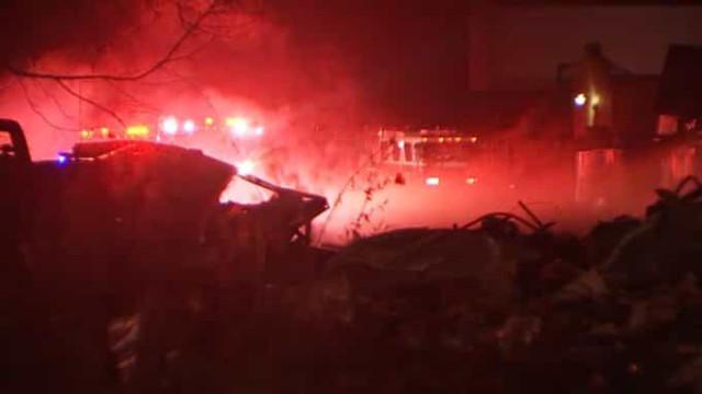 Forte explosão destrói fábrica no Texas. Foi ouvida a quilómetros