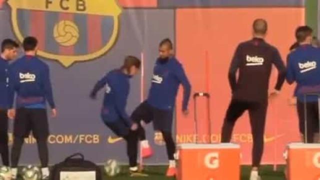 Vidal fez esta 'maldade' a Griezmann em pleno treino do Barcelona