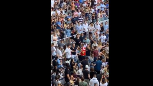 Lamentável: Jogo de Kyrgios manchado por cenas de pancadaria nas bancadas