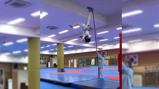 Para CR7 ver: Judoca fez uma 'chilena' a quase 4 metros do colchão