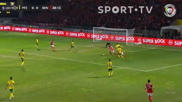Magia de Rafa inaugurou o marcador no Paços de Ferreira-Benfica