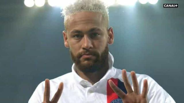 Arrepiante: Neymar marca e dedica 'festejo' a Kobe Bryant