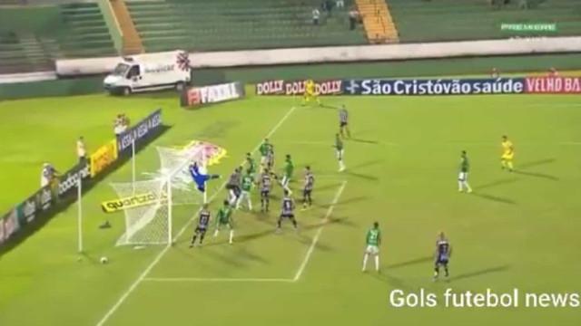 O (estranho) auto-golo que valeu a vitória a Jesualdo Ferreira
