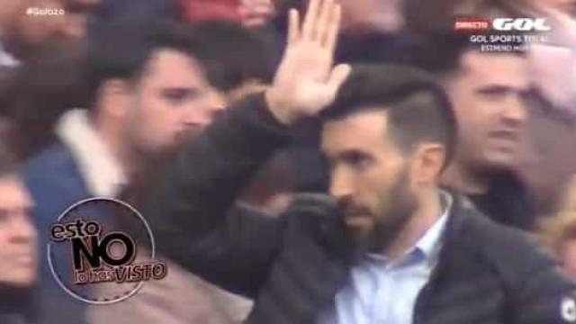 Adjunto de Setién chamou Arturo Vidal com gesto imperdível