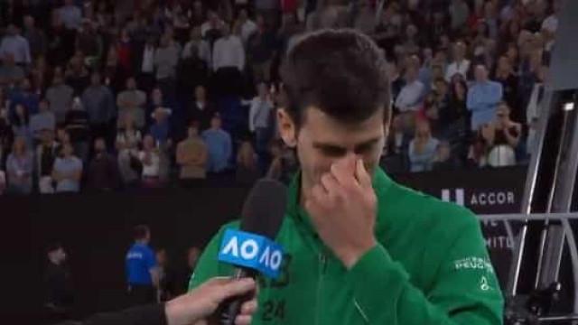 Djokovic dedica vitória a Kobe Bryant e desfaz-se em lágrimas