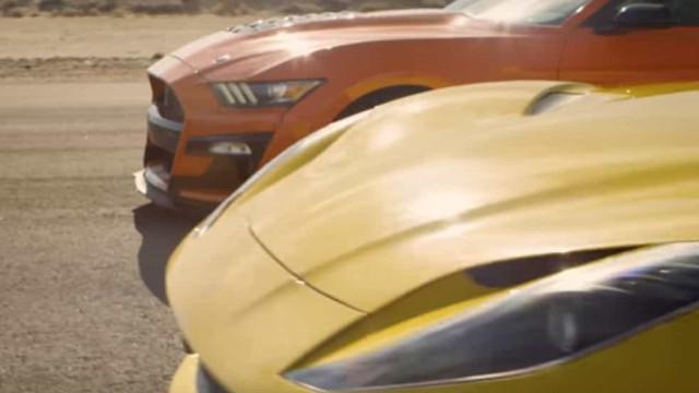 Depois do cinema, a 'drag race': Quem ganha o duelo Ford vs. Ferrari?